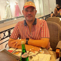 Dear Parents, My name is Leonardo Naibaho and I am an experienced English Language preschool and kindergarten teacher (11 years). I have worked at both Sinar Mas World Academy and TutorTime. I am avai