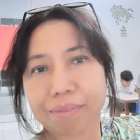 English teacher has been teaching English for more 20 years , would like to teach you online